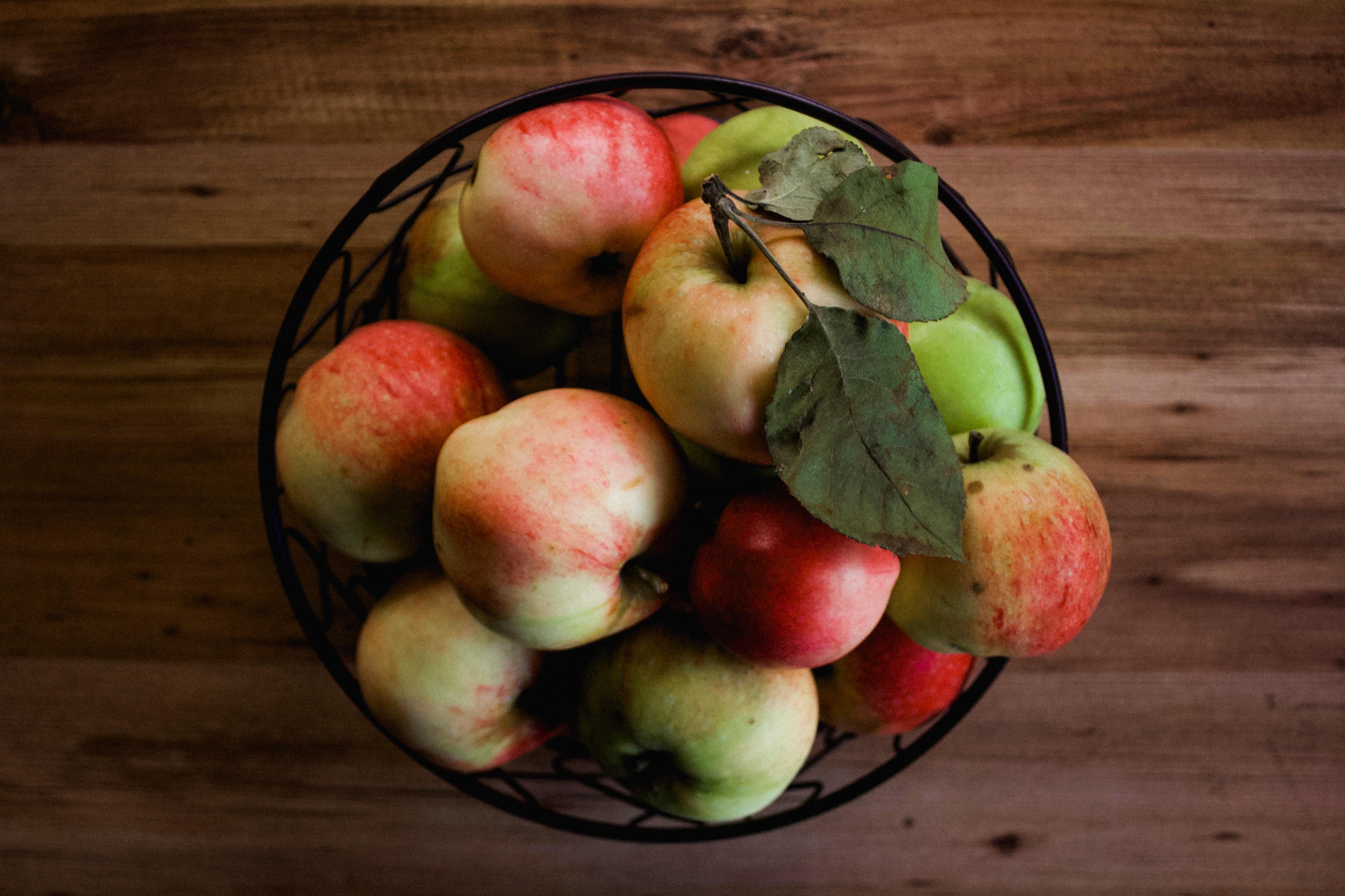 bowl of apples bought in bulk